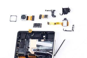 Sony-Xperia-Z3--Z4-teardown (2)