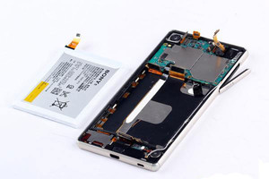 Sony-Xperia-Z3--Z4-teardown